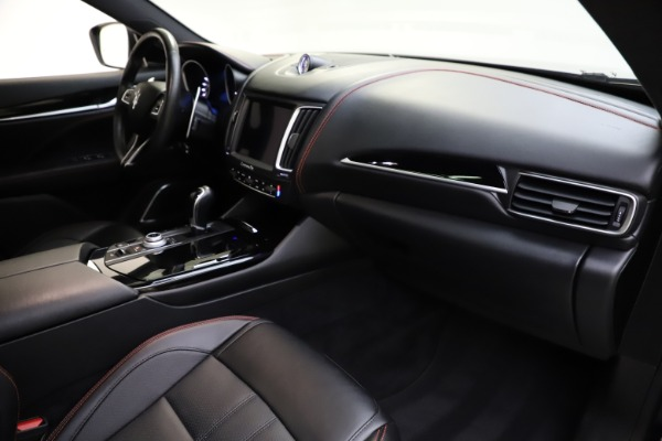 Used 2018 Maserati Levante Q4 GranSport for sale $53,900 at Rolls-Royce Motor Cars Greenwich in Greenwich CT 06830 28