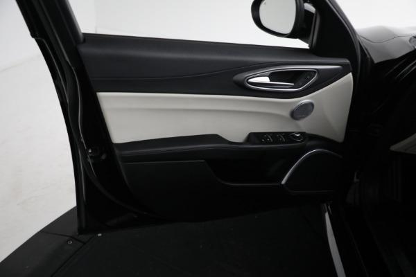 Used 2018 Alfa Romeo Giulia Ti Sport Q4 for sale $34,900 at Rolls-Royce Motor Cars Greenwich in Greenwich CT 06830 15