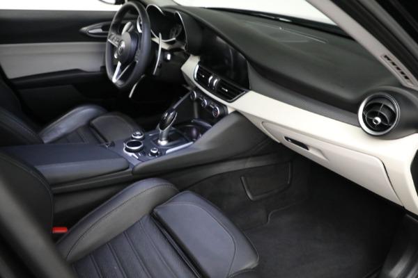 Used 2018 Alfa Romeo Giulia Ti Sport Q4 for sale $34,900 at Rolls-Royce Motor Cars Greenwich in Greenwich CT 06830 17