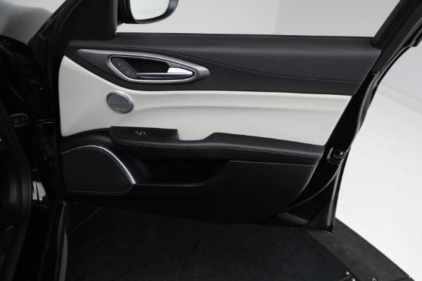 Used 2018 Alfa Romeo Giulia Ti Sport Q4 for sale $34,900 at Rolls-Royce Motor Cars Greenwich in Greenwich CT 06830 19