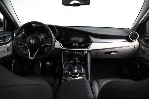 Used 2018 Alfa Romeo Giulia Ti Sport Q4 for sale $34,900 at Rolls-Royce Motor Cars Greenwich in Greenwich CT 06830 22