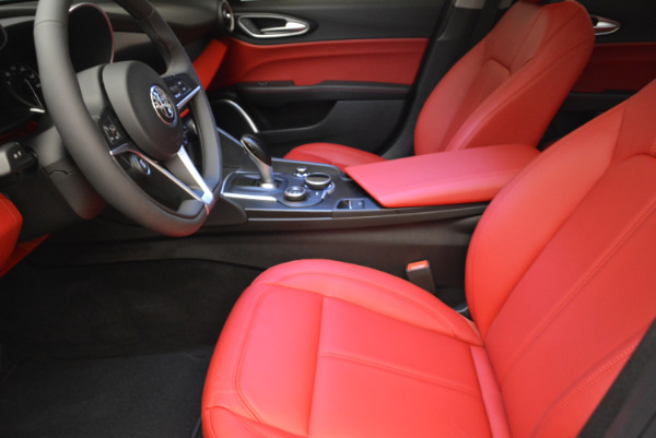 New 2018 Alfa Romeo Giulia Q4 for sale Sold at Rolls-Royce Motor Cars Greenwich in Greenwich CT 06830 14