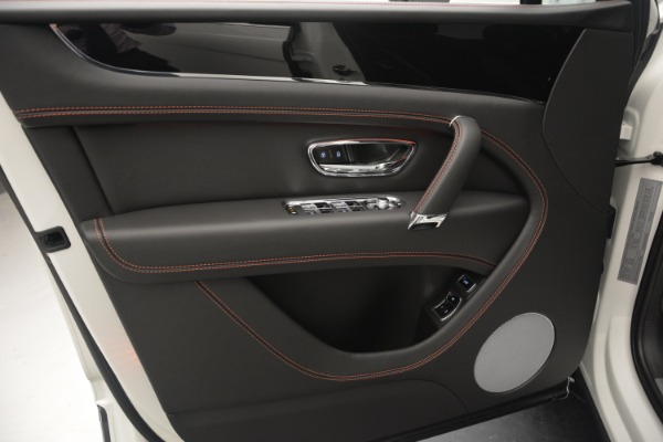 Used 2019 Bentley Bentayga V8 for sale $149,900 at Rolls-Royce Motor Cars Greenwich in Greenwich CT 06830 17