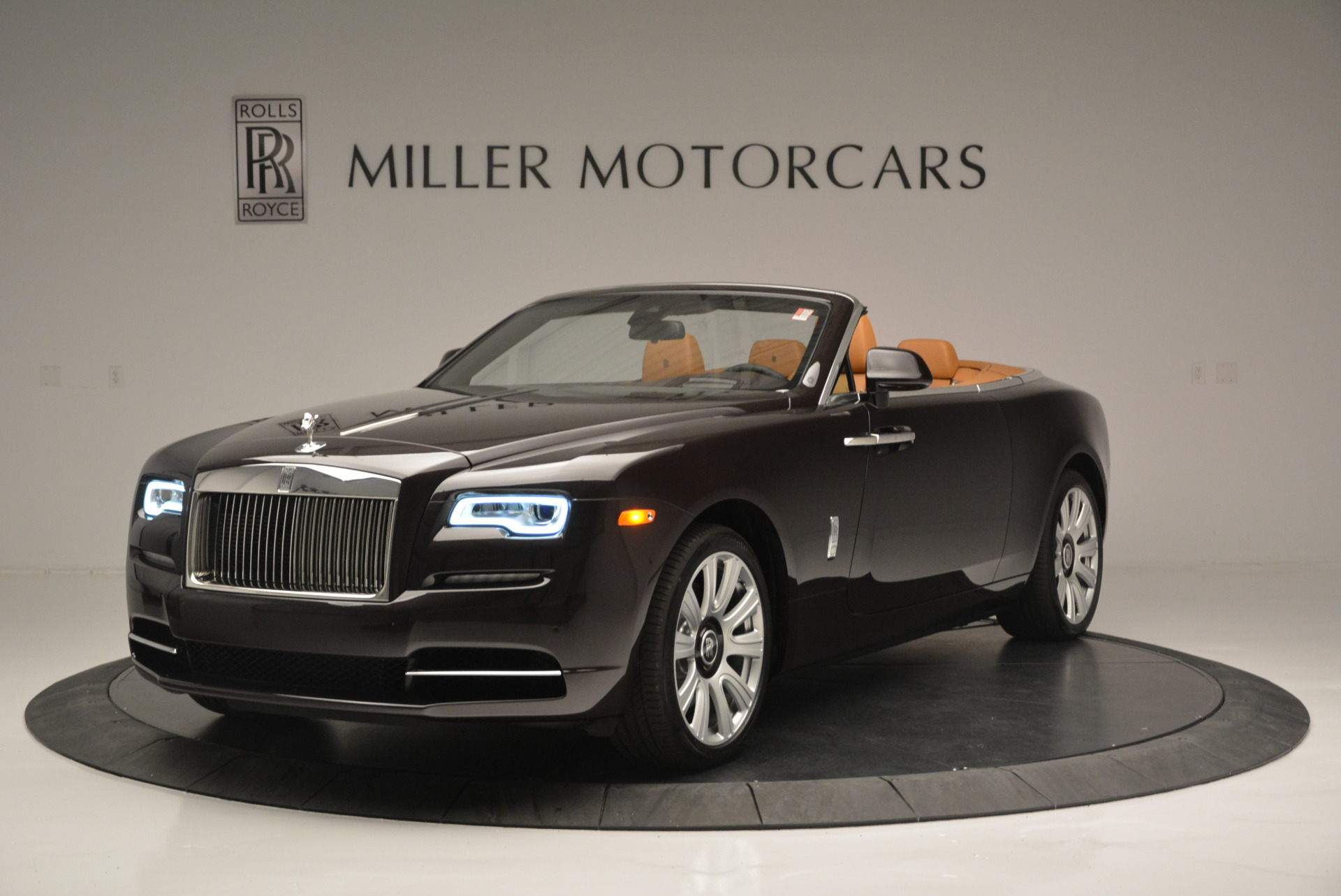 Used 2018 Rolls-Royce Dawn for sale Sold at Rolls-Royce Motor Cars Greenwich in Greenwich CT 06830 1