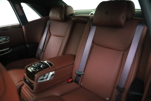 Used 2016 Rolls-Royce Ghost for sale Sold at Rolls-Royce Motor Cars Greenwich in Greenwich CT 06830 15