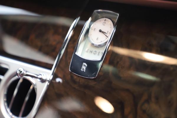 Used 2016 Rolls-Royce Ghost for sale $176,900 at Rolls-Royce Motor Cars Greenwich in Greenwich CT 06830 22