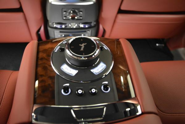 Used 2016 Rolls-Royce Ghost for sale $176,900 at Rolls-Royce Motor Cars Greenwich in Greenwich CT 06830 27