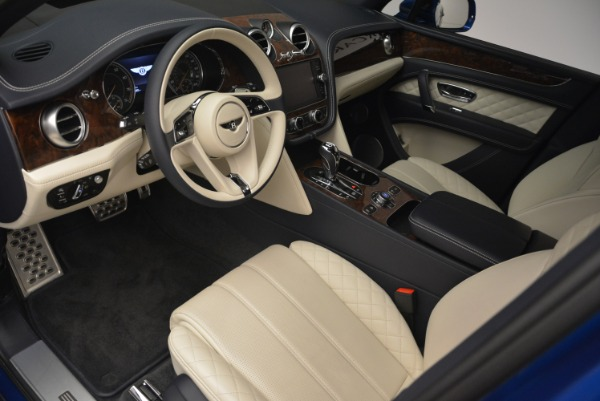 Used 2018 Bentley Bentayga W12 Signature for sale Sold at Rolls-Royce Motor Cars Greenwich in Greenwich CT 06830 16