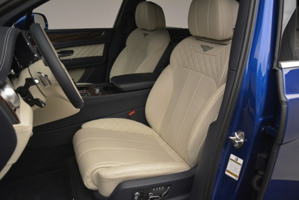 Used 2018 Bentley Bentayga W12 Signature for sale $169,900 at Rolls-Royce Motor Cars Greenwich in Greenwich CT 06830 17