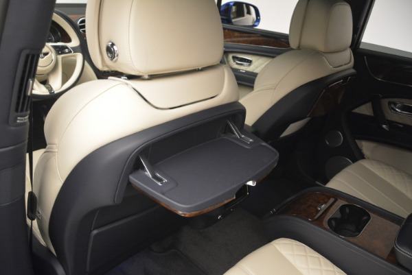 Used 2018 Bentley Bentayga W12 Signature for sale $169,900 at Rolls-Royce Motor Cars Greenwich in Greenwich CT 06830 20