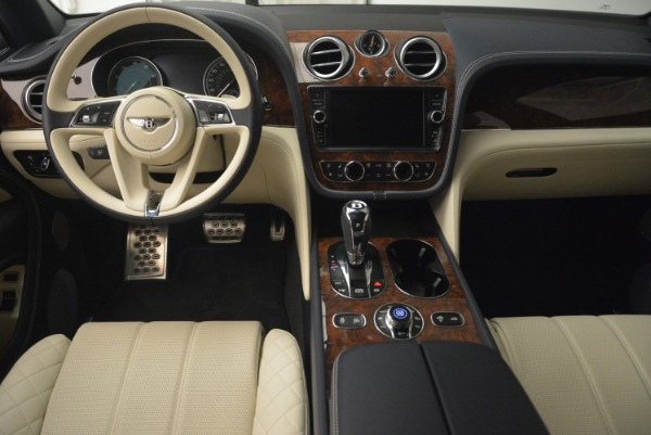 Used 2018 Bentley Bentayga W12 Signature for sale $169,900 at Rolls-Royce Motor Cars Greenwich in Greenwich CT 06830 22