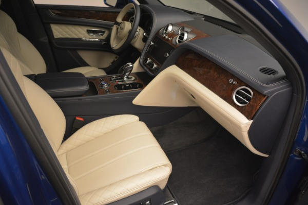 Used 2018 Bentley Bentayga W12 Signature for sale $169,900 at Rolls-Royce Motor Cars Greenwich in Greenwich CT 06830 24
