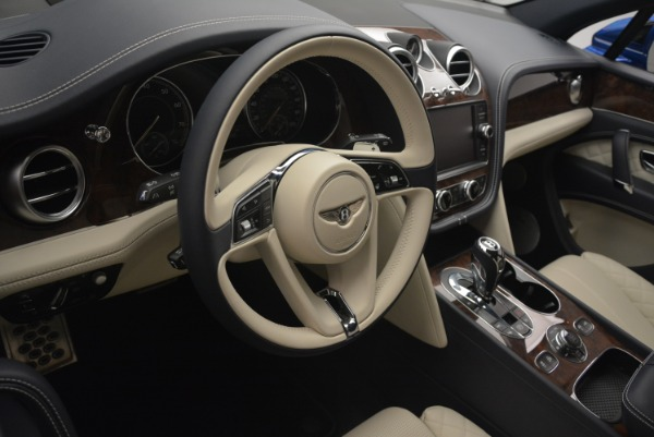 Used 2018 Bentley Bentayga W12 Signature for sale $169,900 at Rolls-Royce Motor Cars Greenwich in Greenwich CT 06830 28