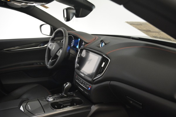 New 2018 Maserati Ghibli S Q4 for sale Sold at Rolls-Royce Motor Cars Greenwich in Greenwich CT 06830 18
