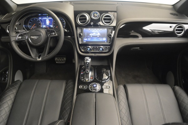 Used 2017 Bentley Bentayga W12 for sale Sold at Rolls-Royce Motor Cars Greenwich in Greenwich CT 06830 22