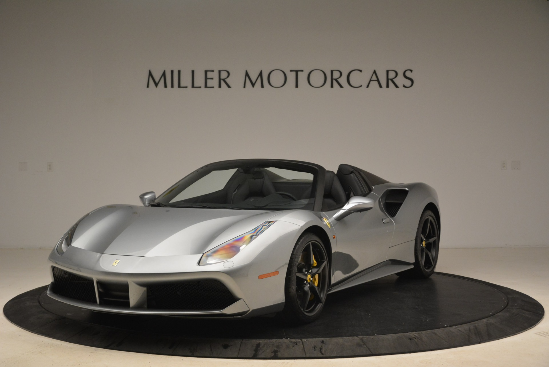 Used 2018 Ferrari 488 Spider for sale $274,900 at Rolls-Royce Motor Cars Greenwich in Greenwich CT 06830 1