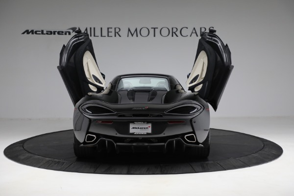 New 2018 McLaren 570S Spider for sale Sold at Rolls-Royce Motor Cars Greenwich in Greenwich CT 06830 25