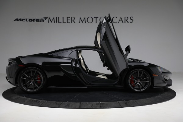 Used 2018 McLaren 570S Spider for sale Sold at Rolls-Royce Motor Cars Greenwich in Greenwich CT 06830 27