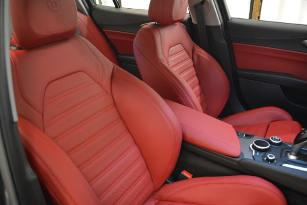 New 2018 Alfa Romeo Giulia Ti Sport Q4 for sale Sold at Rolls-Royce Motor Cars Greenwich in Greenwich CT 06830 21