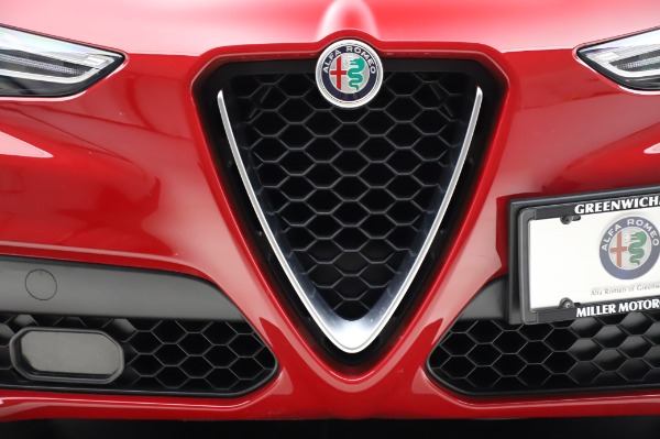 Used 2018 Alfa Romeo Stelvio Sport Q4 for sale $35,900 at Rolls-Royce Motor Cars Greenwich in Greenwich CT 06830 13