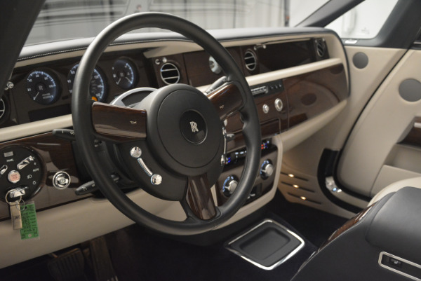 Used 2014 Rolls-Royce Phantom Drophead Coupe for sale Sold at Rolls-Royce Motor Cars Greenwich in Greenwich CT 06830 22