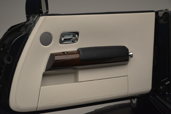 Used 2014 Rolls-Royce Phantom Drophead Coupe for sale Sold at Rolls-Royce Motor Cars Greenwich in Greenwich CT 06830 25