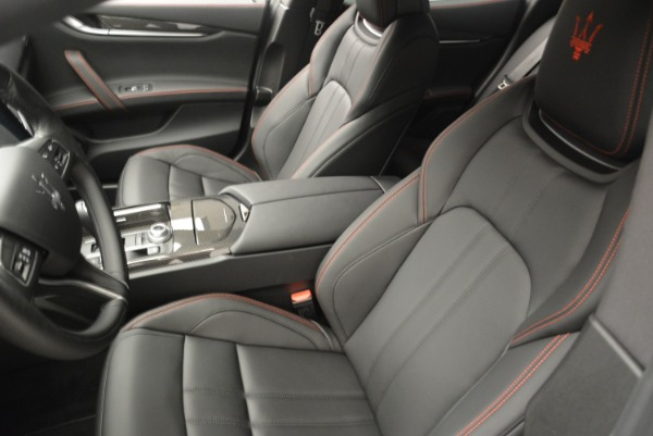 New 2018 Maserati Ghibli SQ4 GranSport Nerissimo for sale Sold at Rolls-Royce Motor Cars Greenwich in Greenwich CT 06830 13