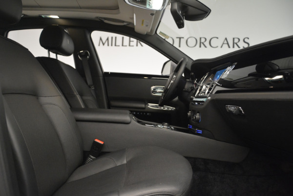 Used 2012 Rolls-Royce Ghost for sale Sold at Rolls-Royce Motor Cars Greenwich in Greenwich CT 06830 24