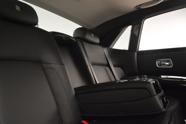 Used 2012 Rolls-Royce Ghost for sale Sold at Rolls-Royce Motor Cars Greenwich in Greenwich CT 06830 27