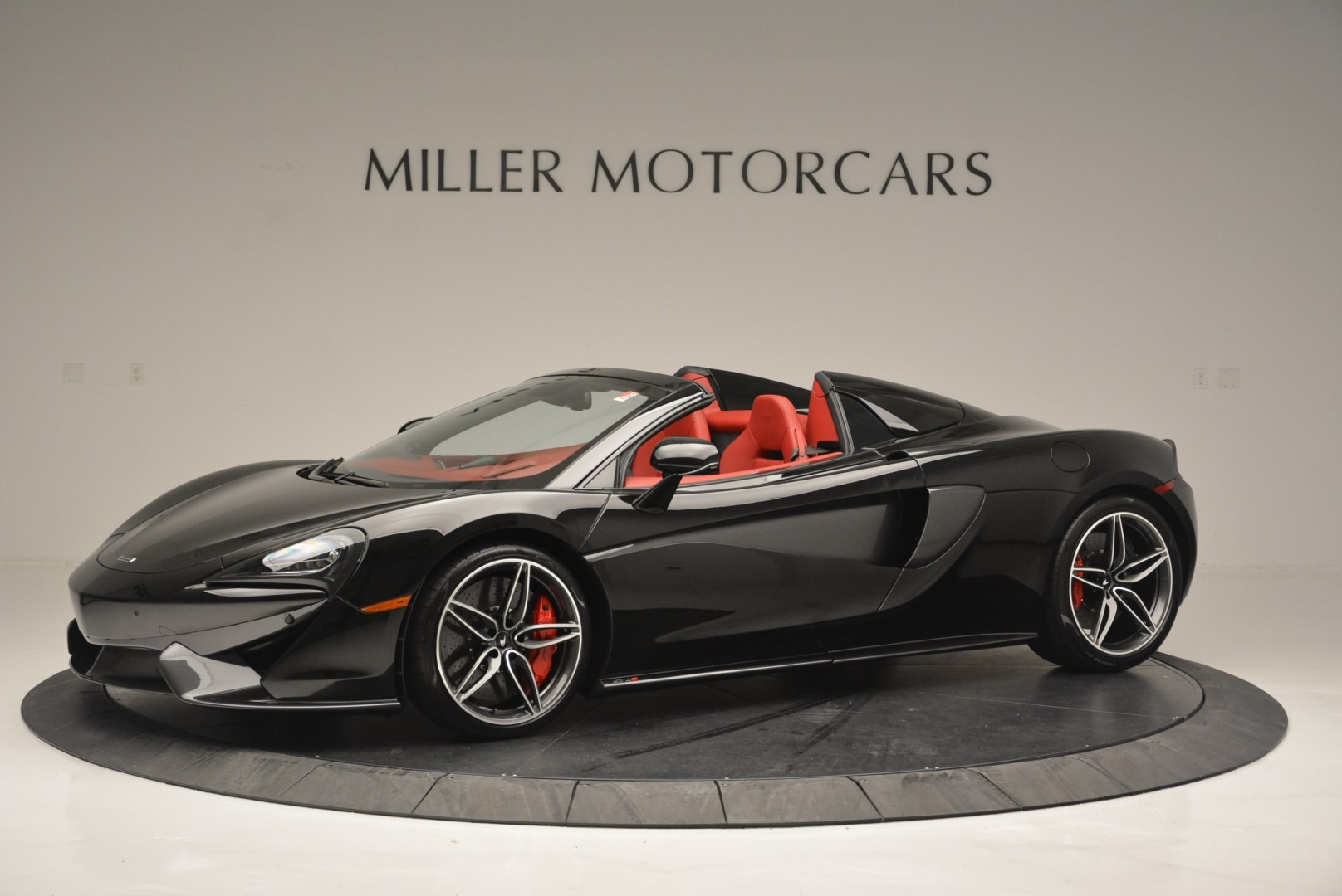 New 2019 McLaren 570S Convertible for sale Sold at Rolls-Royce Motor Cars Greenwich in Greenwich CT 06830 1