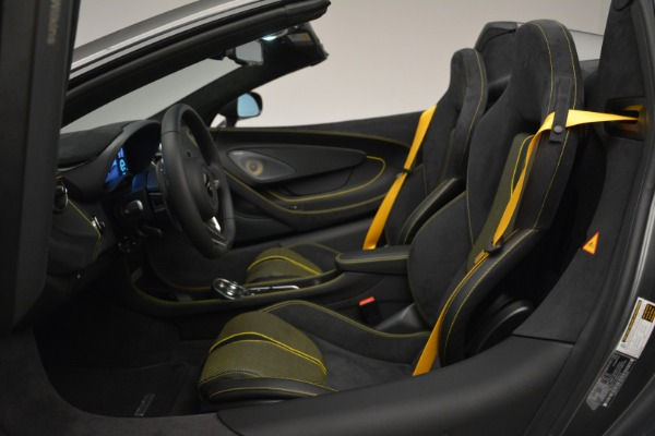 Used 2019 McLaren 570S Spider Convertible for sale $189,990 at Rolls-Royce Motor Cars Greenwich in Greenwich CT 06830 24