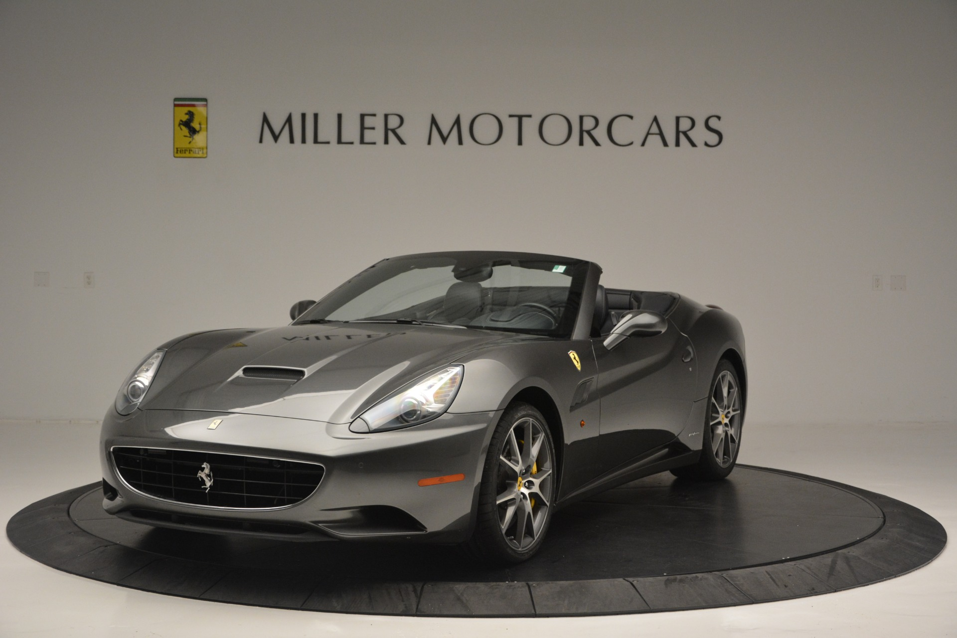 Used 2013 Ferrari California 30 for sale $109,900 at Rolls-Royce Motor Cars Greenwich in Greenwich CT 06830 1