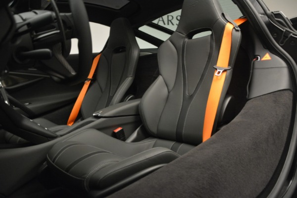 New 2019 McLaren 720S Coupe for sale $344,340 at Rolls-Royce Motor Cars Greenwich in Greenwich CT 06830 20