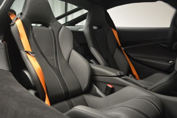 New 2019 McLaren 720S Coupe for sale $344,340 at Rolls-Royce Motor Cars Greenwich in Greenwich CT 06830 23