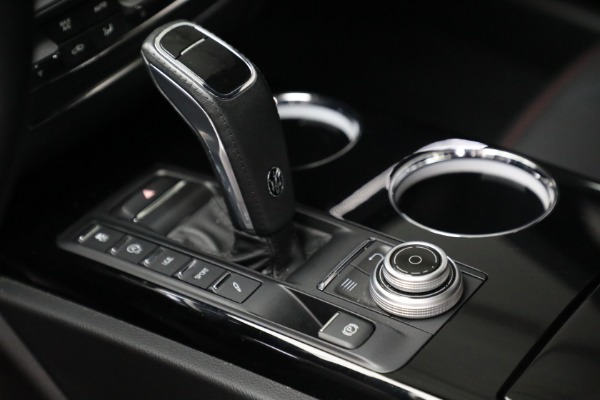 Used 2019 Maserati Quattroporte S Q4 GranLusso for sale $68,900 at Rolls-Royce Motor Cars Greenwich in Greenwich CT 06830 18
