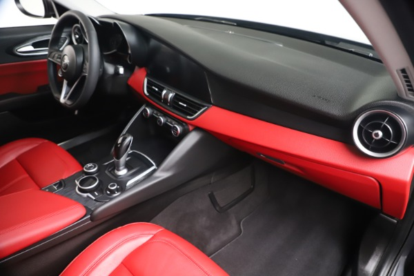 New 2019 Alfa Romeo Giulia Q4 for sale Sold at Rolls-Royce Motor Cars Greenwich in Greenwich CT 06830 21