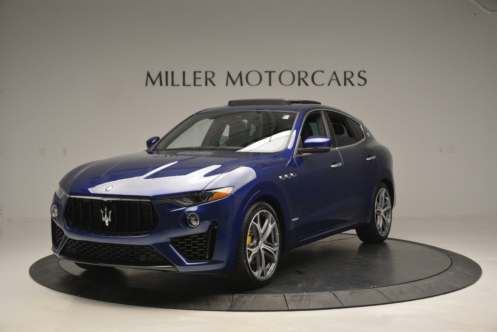 New 2019 Maserati Levante Q4 GranSport for sale $90,370 at Rolls-Royce Motor Cars Greenwich in Greenwich CT 06830 1