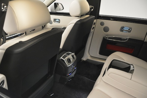 Used 2019 Rolls-Royce Ghost for sale $298,900 at Rolls-Royce Motor Cars Greenwich in Greenwich CT 06830 22