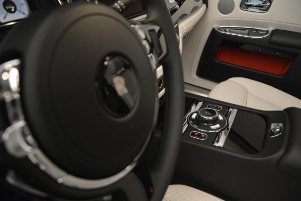 Used 2019 Rolls-Royce Ghost for sale $298,900 at Rolls-Royce Motor Cars Greenwich in Greenwich CT 06830 28