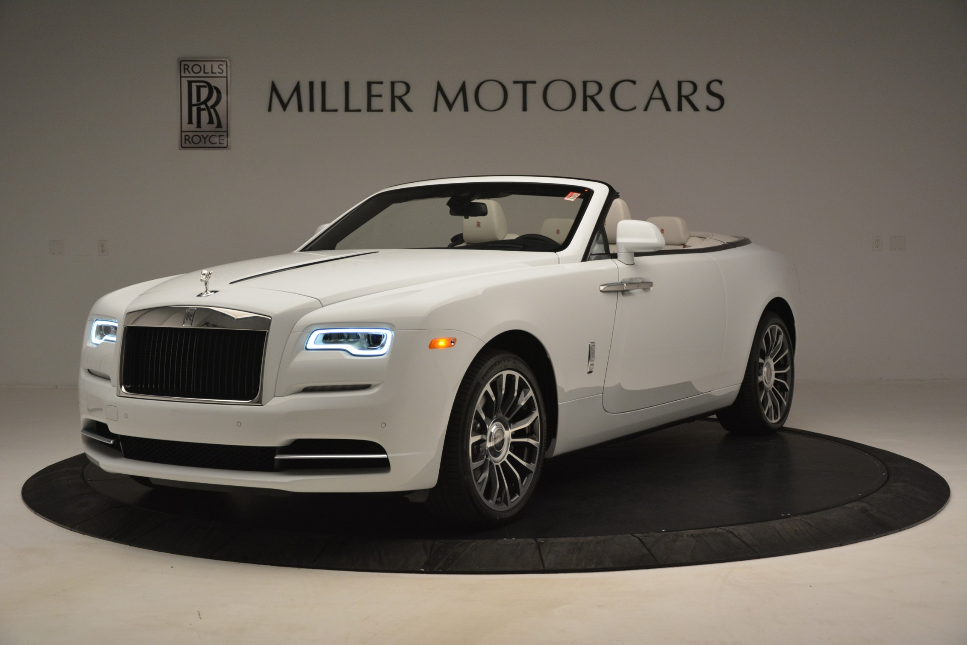 Used 2019 Rolls-Royce Dawn for sale $389,900 at Rolls-Royce Motor Cars Greenwich in Greenwich CT 06830 1