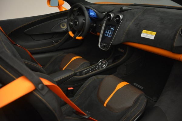 Used 2019 McLaren 570S SPIDER Convertible for sale $240,720 at Rolls-Royce Motor Cars Greenwich in Greenwich CT 06830 26
