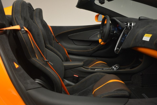 Used 2019 McLaren 570S SPIDER Convertible for sale $240,720 at Rolls-Royce Motor Cars Greenwich in Greenwich CT 06830 27
