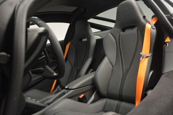 New 2019 McLaren 720S Coupe for sale $336,440 at Rolls-Royce Motor Cars Greenwich in Greenwich CT 06830 20