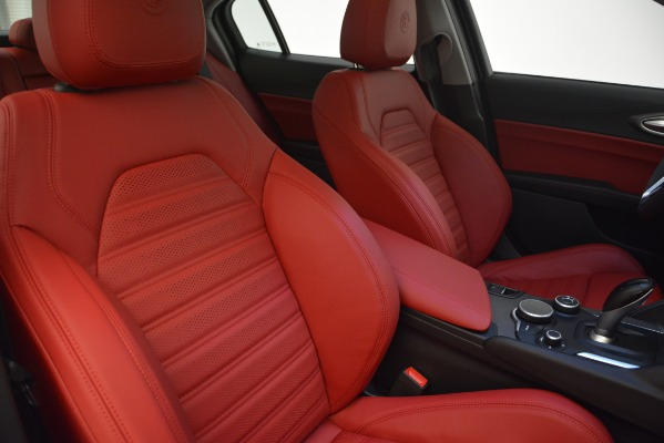 New 2019 Alfa Romeo Giulia Ti Sport Q4 for sale Sold at Rolls-Royce Motor Cars Greenwich in Greenwich CT 06830 21