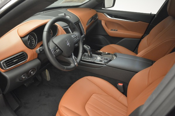New 2019 Maserati Levante Q4 for sale Sold at Rolls-Royce Motor Cars Greenwich in Greenwich CT 06830 18