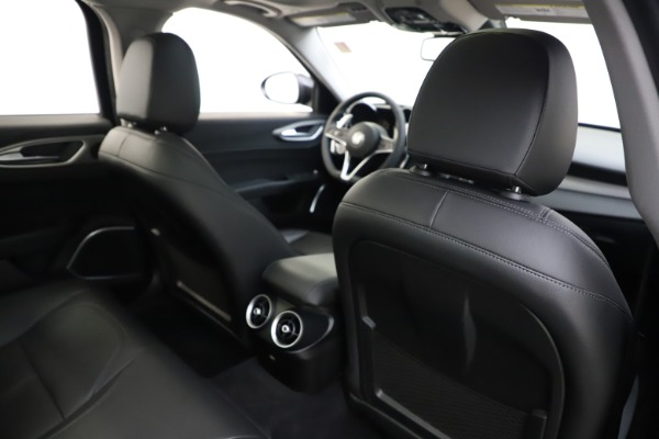 Used 2019 Alfa Romeo Giulia Sport Q4 for sale Sold at Rolls-Royce Motor Cars Greenwich in Greenwich CT 06830 28
