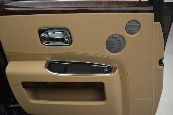 Used 2014 Rolls-Royce Ghost for sale Sold at Rolls-Royce Motor Cars Greenwich in Greenwich CT 06830 19