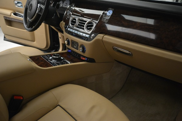Used 2014 Rolls-Royce Ghost for sale Sold at Rolls-Royce Motor Cars Greenwich in Greenwich CT 06830 26
