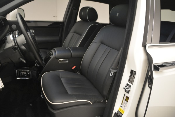Used 2014 Rolls-Royce Phantom for sale Sold at Rolls-Royce Motor Cars Greenwich in Greenwich CT 06830 17