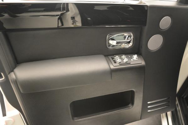 Used 2014 Rolls-Royce Phantom for sale Sold at Rolls-Royce Motor Cars Greenwich in Greenwich CT 06830 19